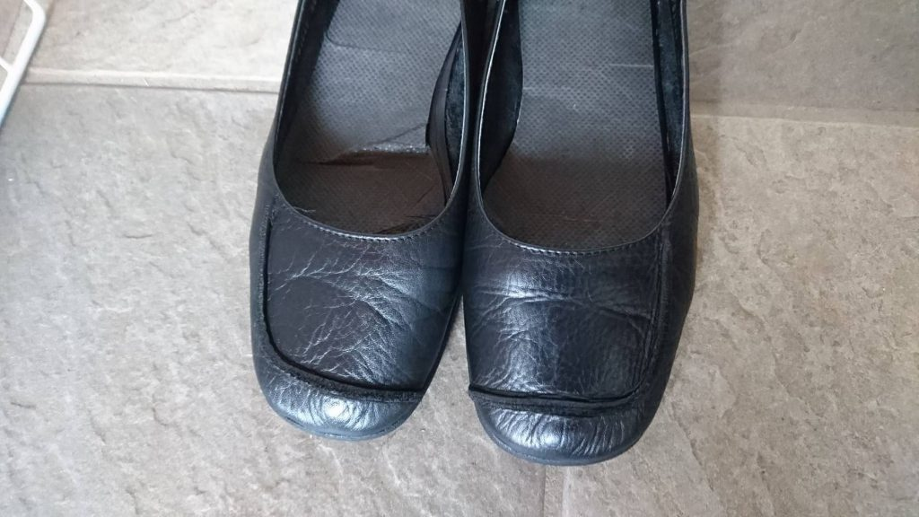 つま先_修理_自分で_靴_革