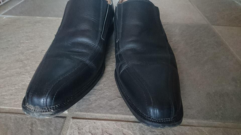 靴磨き_ブラシ_ツヤ_カビ