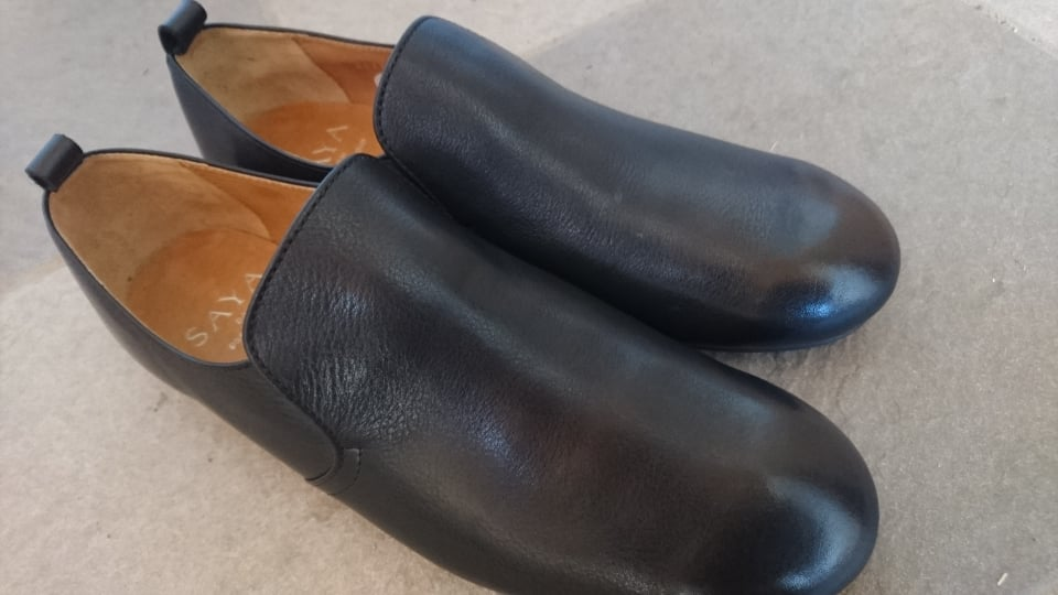カビ_革靴_買ったら_新品_靴